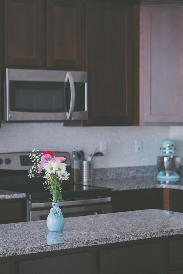 The Do's and Don't of Granite Countertop Care